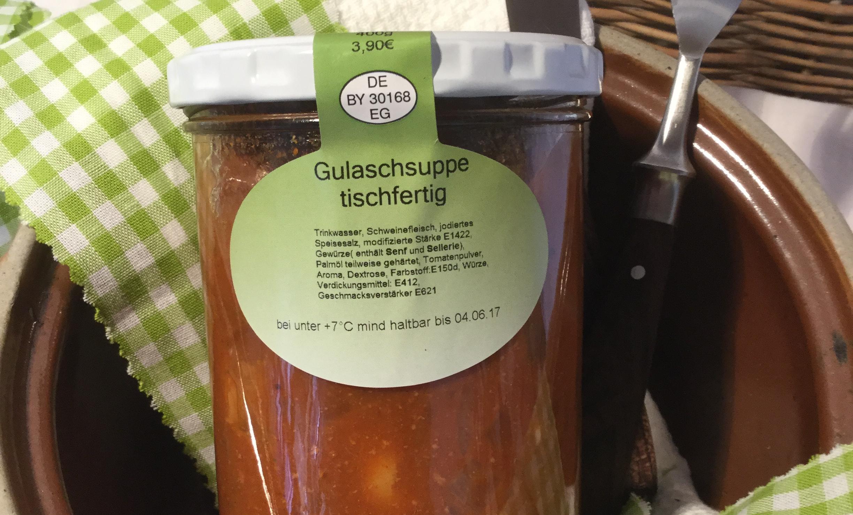 Gulaschsuppe tisch fertig 2
